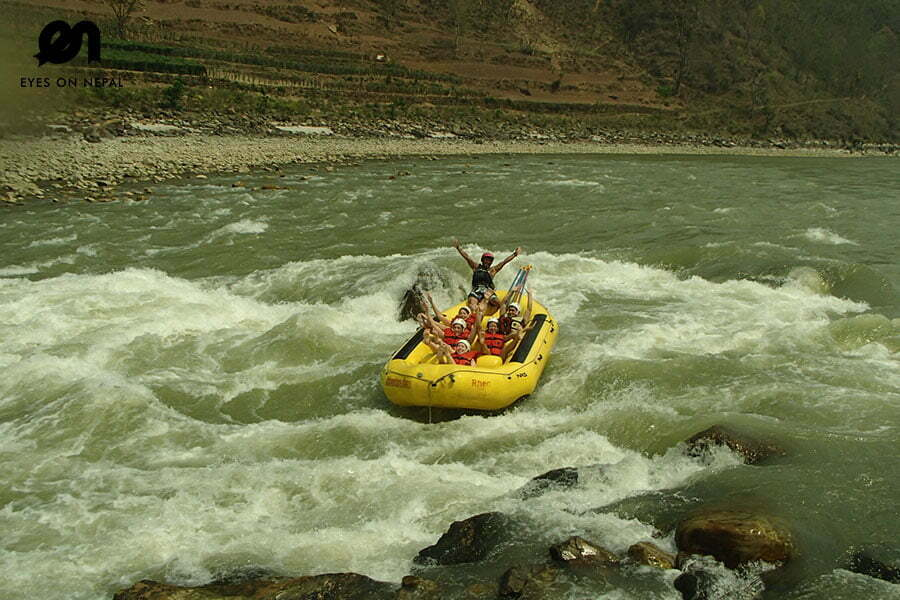 rafting-in-nepal-on-wild-river